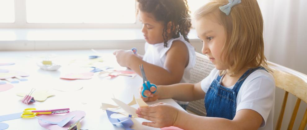 3 brincadeiras para trabalhar os Jogos Cooperativos com as crianças em casa