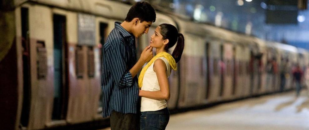 casal indiano se beijando