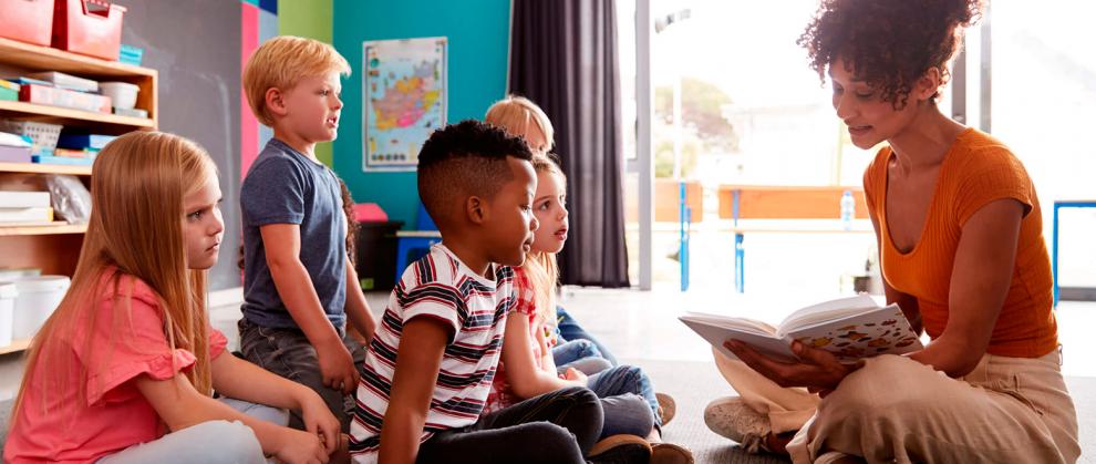 Os-desafios-da-escola-para-lidar-com-a-diversidade-e-como-esta-expresso-na-BNCC-professora-e-alunos
